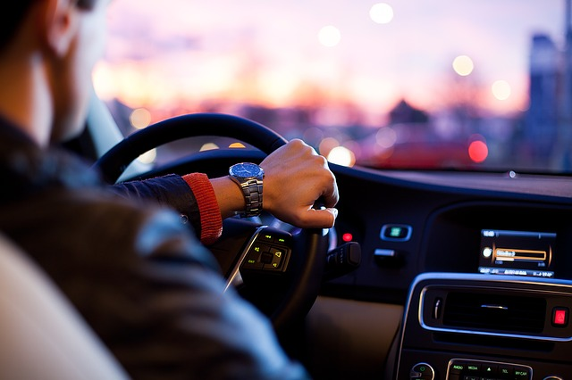 řidič s hodinkami
